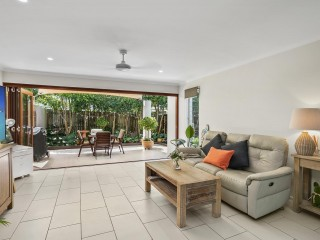 View profile: Modern Low Maintenance Sunshine Beach Living