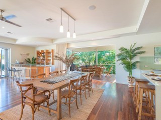 View profile: Light & Breezy Living In The Heart of Noosa