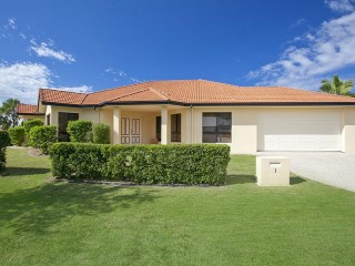 View profile: Single Level Home - Opposite Park & Water