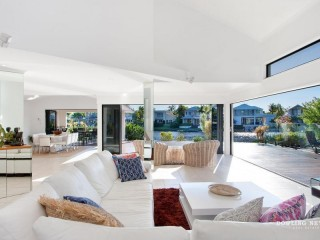 View profile: ENTERTAINER'S WATERFRONT DREAM