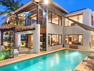 View profile: ENTERTAIN ON A GRAND SCALE