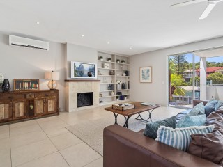 View profile: Blue Chip Waterfront Location - Walk to Hastings Street