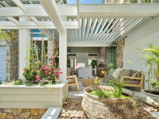 View profile: Prized Location Meets Noosa Style and Luxury