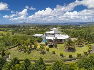 View profile: 20 Minute Drive to Noosa