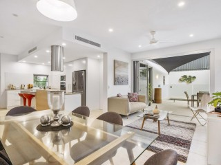 View profile: Modern, Fully-furnished, Seconds to the River