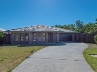 View profile: Near New Home Adjoining Bushland in Tewantin.